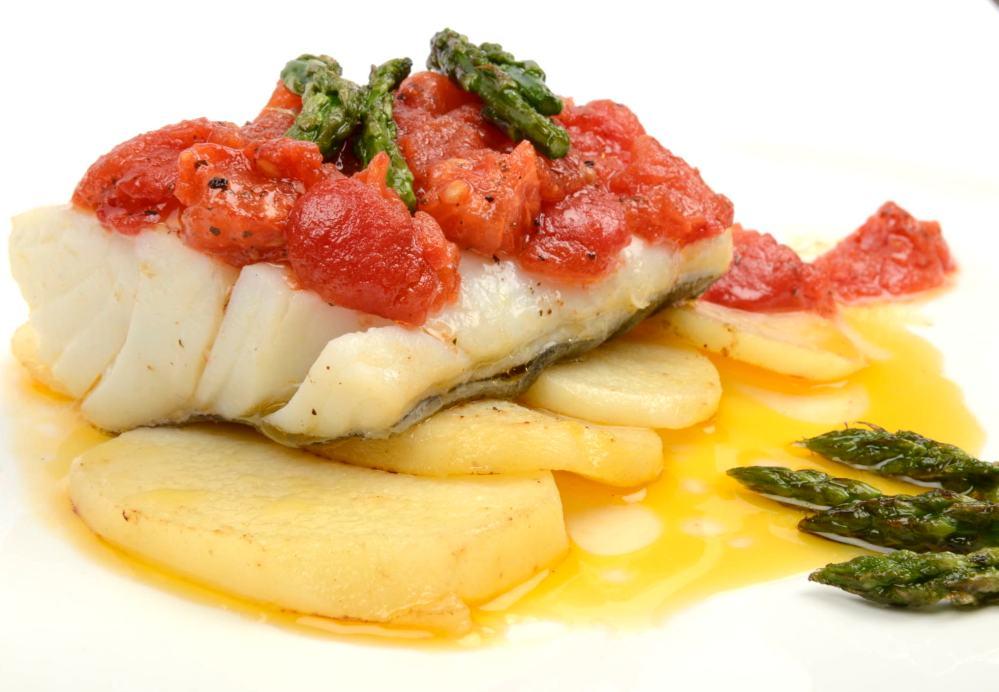Receta de bacalao confitado con tomate suave